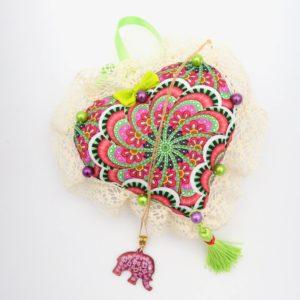 Collier pendentif en émail éléphant rose