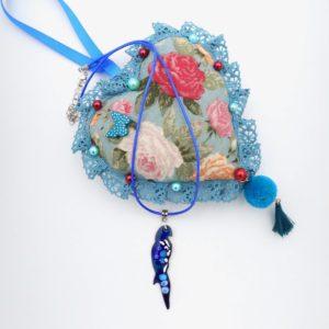 Collier pendentif en émail oiseau bleu
